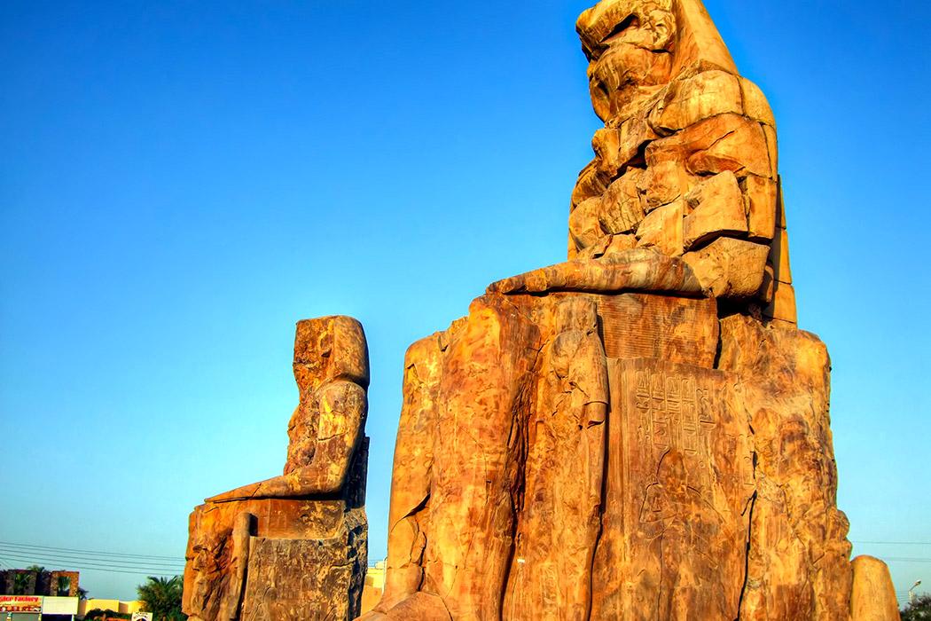 O que são os Colossos de Mêmnon?