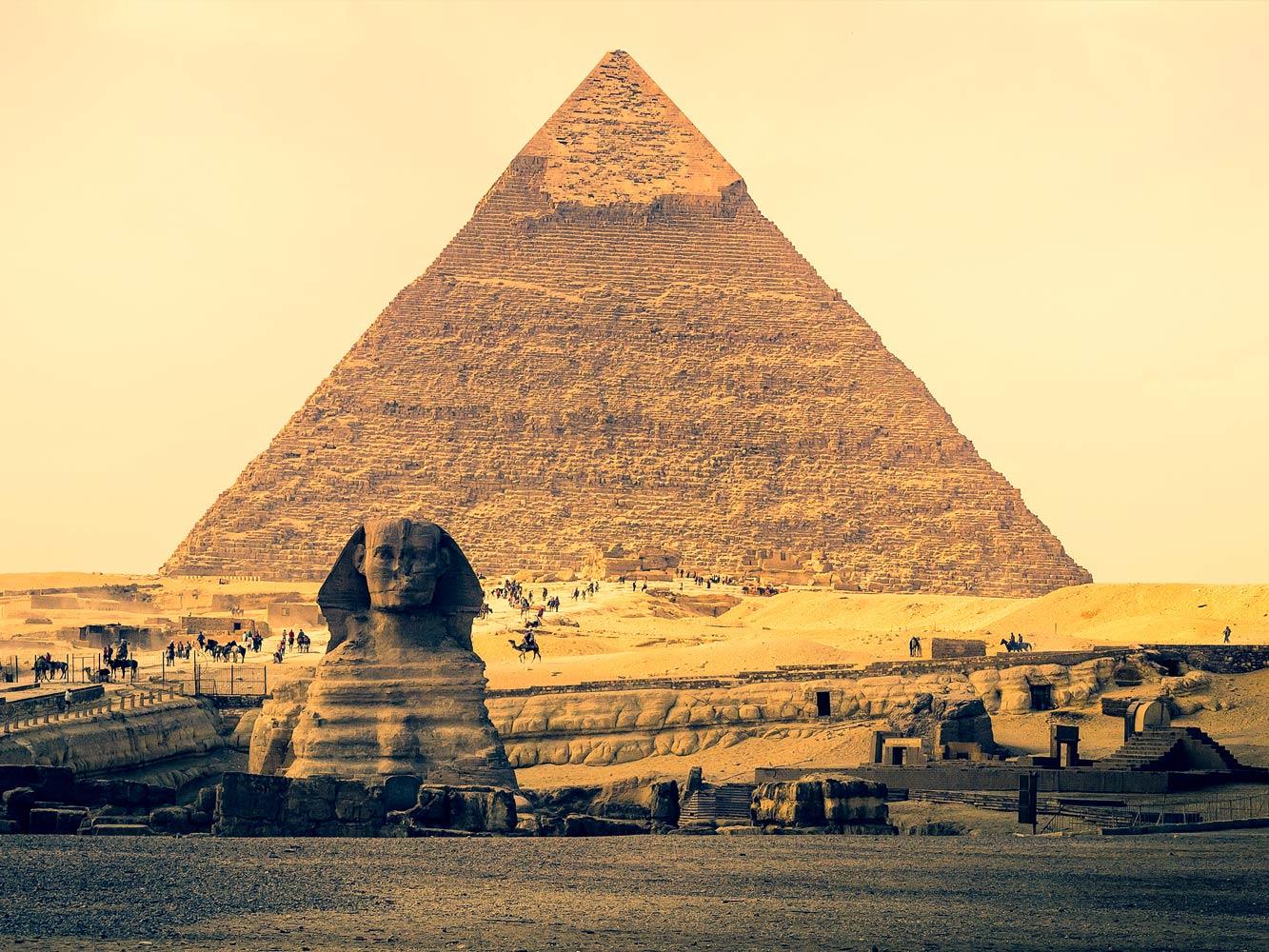 Qual era o objetivo em construir obeliscos?